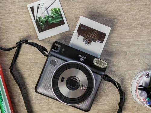 analisis instax SQ6