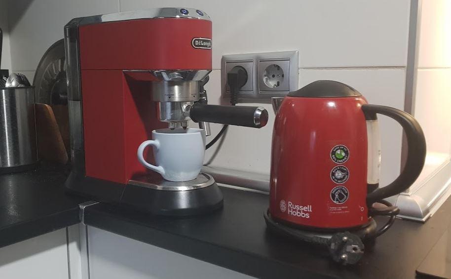 cafetera delongui para espacios pequeños